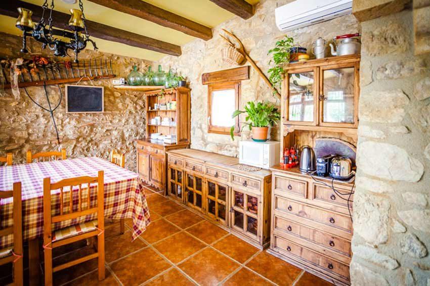 Masia-Turismo-Rural-Baix-Emporda-Cocina