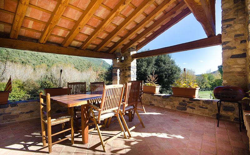 Masia-Restaurada-Cerca-de-Girona-Porche