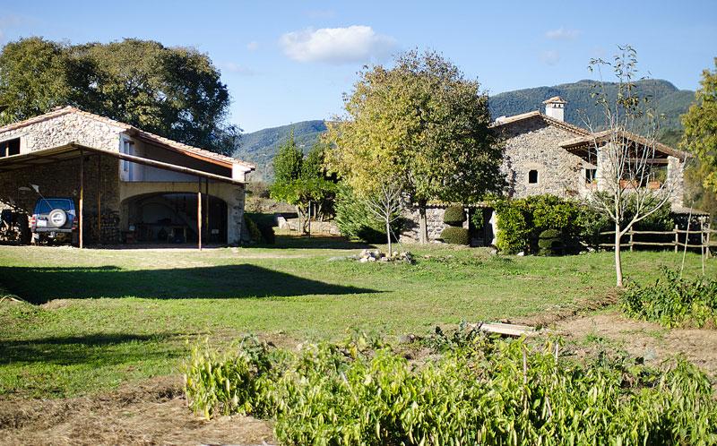 Masia-Restaurada-Cerca-de-Girona-Vistas