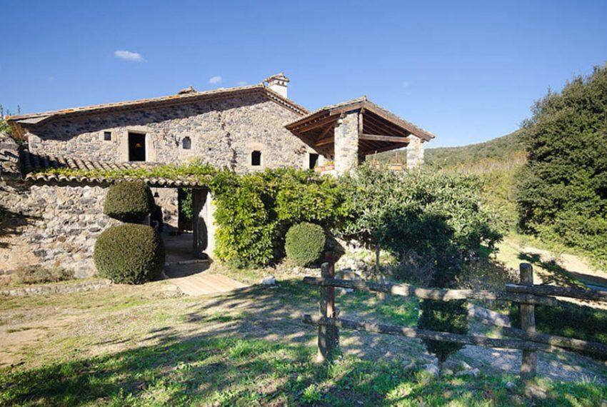 Masia-Restaurada-Cerca-de-Girona