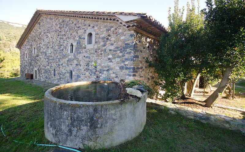 Masia-Restaurada-Cerca-de-Girona-Manantial