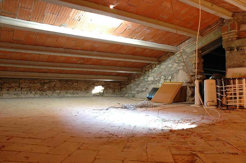 Casa-Rustica-Interior-Emporda-Buhardilla
