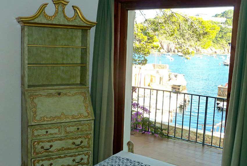 Exclusiva-Casa-en-Primera-Linea-de-Mar-Vista-Dormitorio