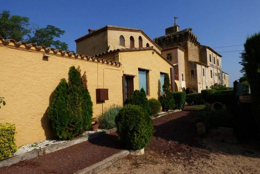 Edificio-Historico-Ideal-Negocio-Fachada-Este