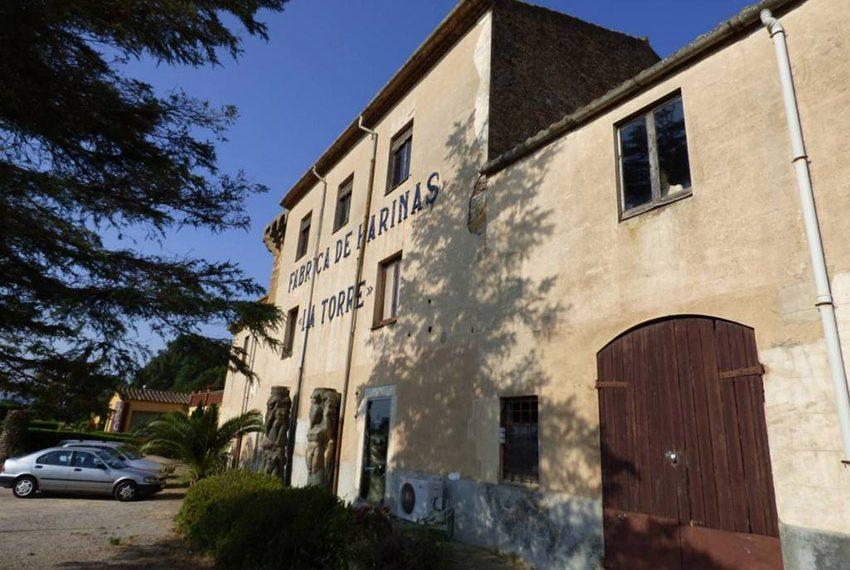 Edificio-Historico-Ideal-Negocio-Lateral