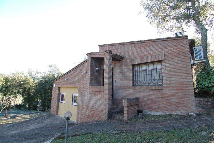 Casa-con-Piscina-Cubierta-en-Urbanizacion-21