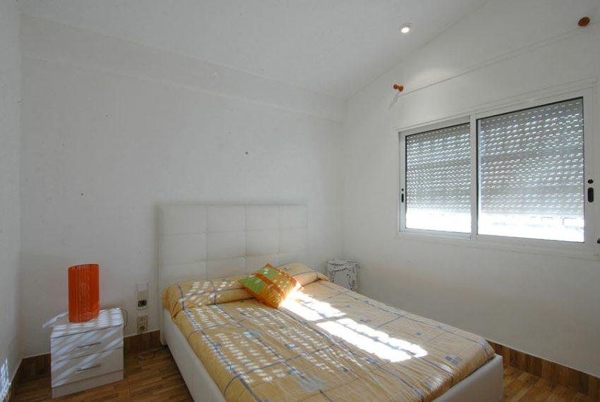 Casa-con-Piscina-Cubierta-en-Urbanizacion-24